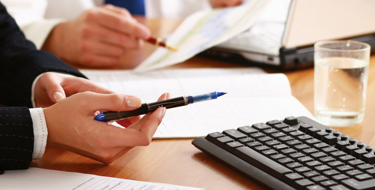 Employment Law advice Brighton photo of employment contract